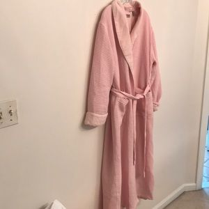 Lovely waffle knit robe with fleece lining